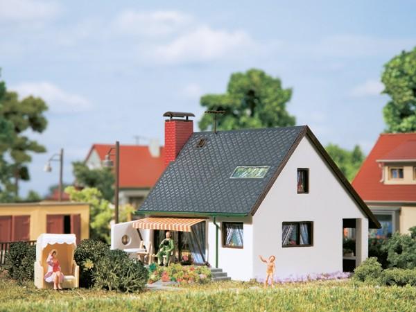 Auhagen 12246 H0/TT-Modellbausatz, Haus Carmen