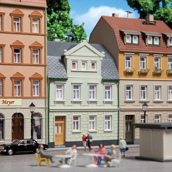 Auhagen 12250 H0/TT-Modellbausatz, Wohnhaus Nr. 1