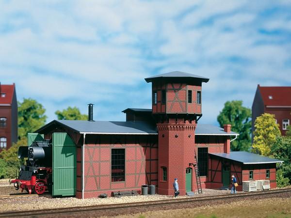"Auhagen 11400 H0-Modellbausatz, ""Lokschuppen mit Wasserturm"""