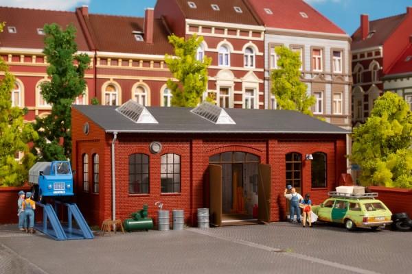 Auhagen 11460 H0-Modellbausatz, Kfz-Werkstatt