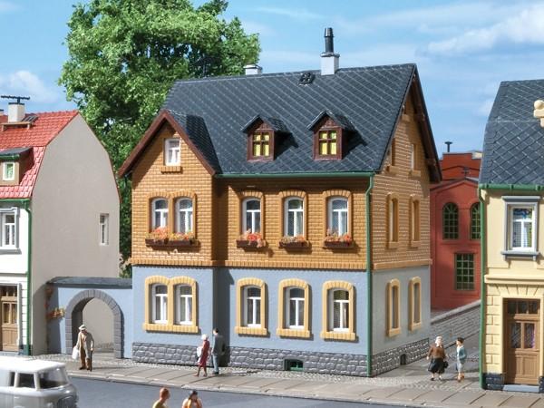 Auhagen 12258 H0/TT-Modellbausatz, Werkswohnhaus