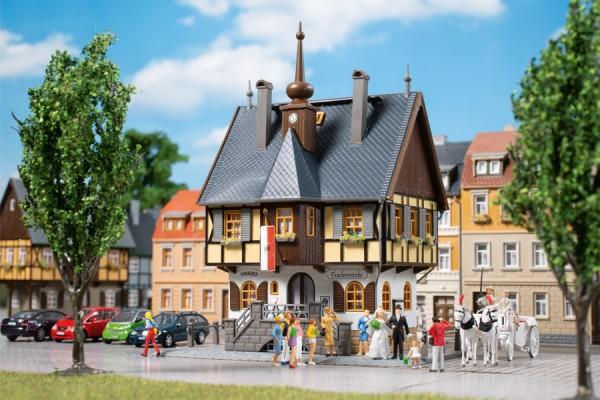 Auhagen 12350 H0/TT-Modellbausatz, Historisches Rathaus