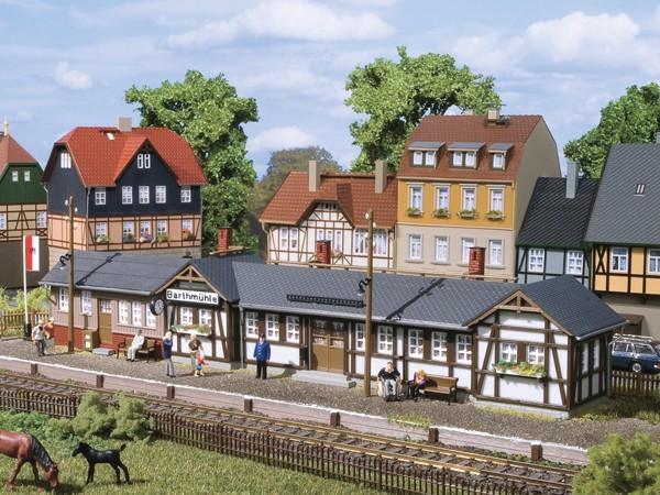 Auhagen 11418 H0-Modellbausatz, Bahnhof Barthmühle