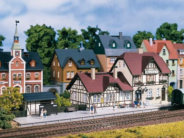 Auhagen 13321 TT-Modellbausatz, Bahnhof Moorbach