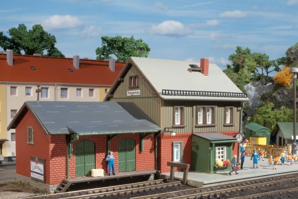 Auhagen 13275 TT-Modellbausatz, Bahnhof Hagenau