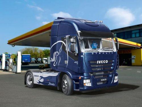 "Revell-Fahrzeugmodell, 07423 Truck-Modellbausatz ""Iveco Stralis"""
