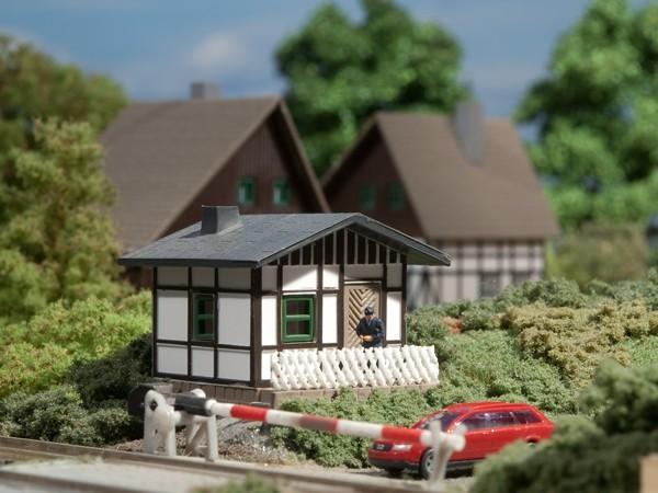 Auhagen 14455 N-Modellbausatz, Schrankenwärterhaus