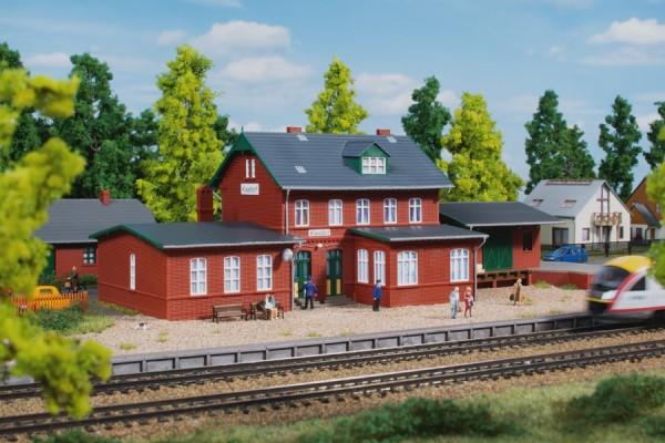 Auhagen 13299 TT-Modellbausatz, Bahnhof Klasdorf