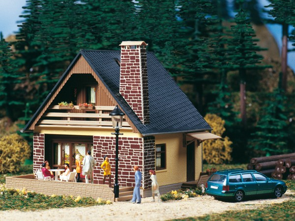 """Auhagen 11377 H0-Modellbausatz, """"(Einfamilienhaus) - Haus Katrin"""""""