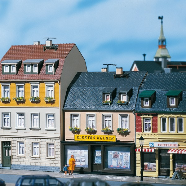 Auhagen 12272 H0/TT-Modellbausatz, Wohnhäuser Nr. 5/7
