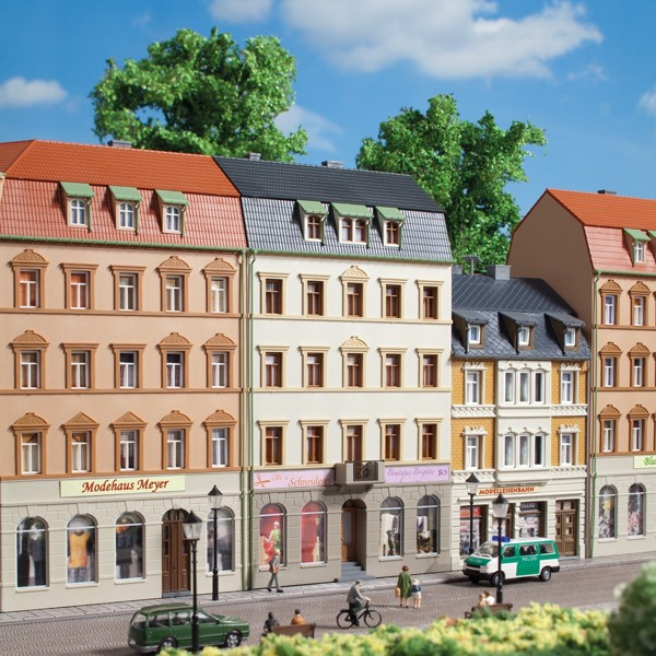 Auhagen 13336 TT-Modellbausatz, Stadthaus Markt 2