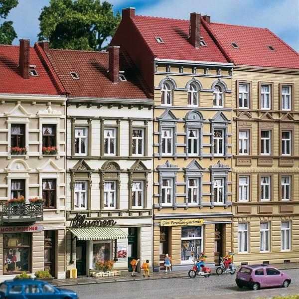 "Auhagen 11392 H0-Modellbausatz, (Mehrfamilienhaus) - Stadthaus ""Schmidtstrasse 13/15"""
