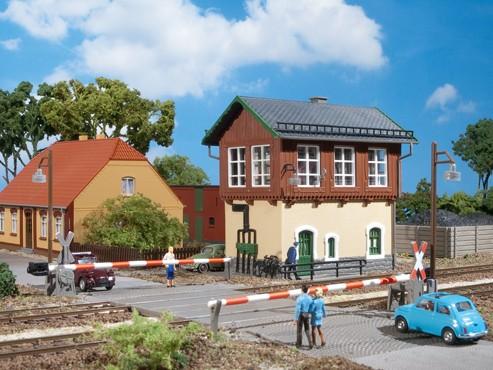 """Auhagen 11333 H0-Modellbausatz, """"Stellwerk - Tharandt"""""""