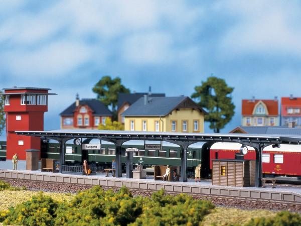 "Auhagen 11376 H0-Modellbausatz, ""Bahnsteig"""