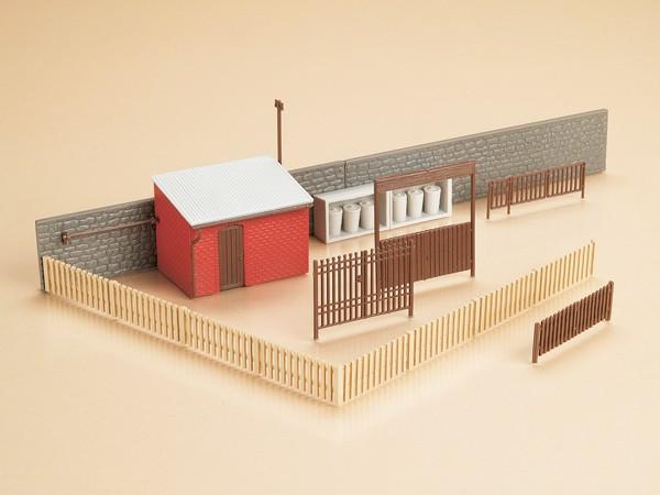 Auhagen 12256 H0/TT-(Modellbausatz)/Ausgestaltung, Tore mit Häuserzubehör