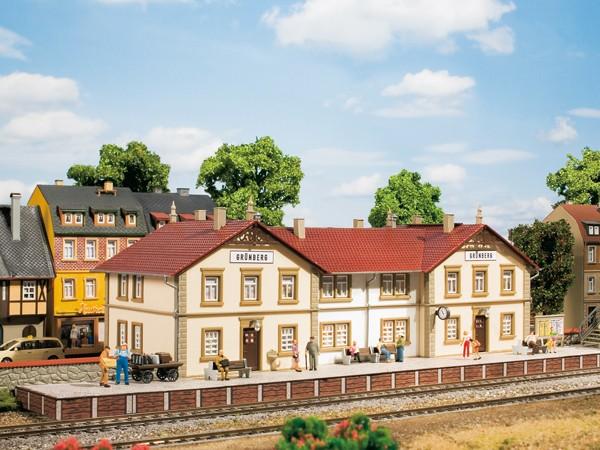 Auhagen 11413 H0-Modellbausatz, Bahnhof Grünberg